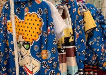 Cappottino in felpa/maxi cardigan con ricamo e applicazioni.